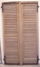Portes de placards anciennes chez portes anciennes st remy de provence for Placard persienne bois
