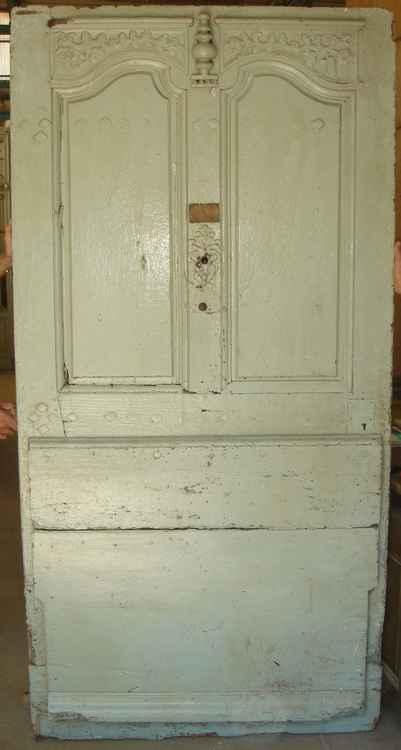 Porte d 39 entr e ancienne en noyer sculpt e for Porte 1 vantail