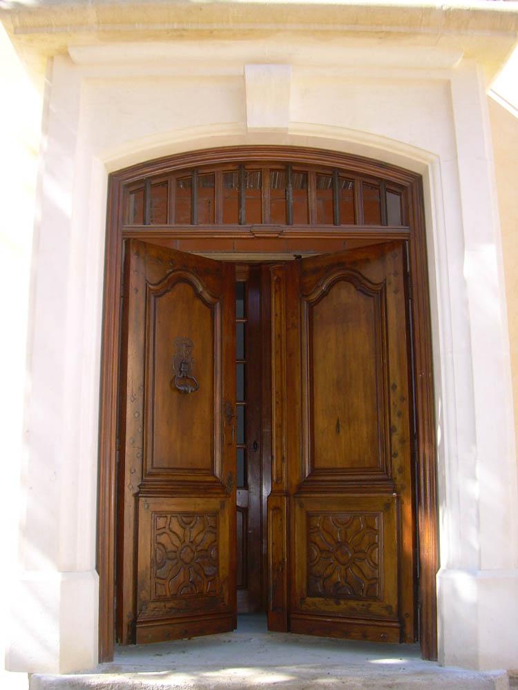 Porte d 39 entr e ancienne 2 vantaux en noyer restaur e for Fermeture de porte ancienne