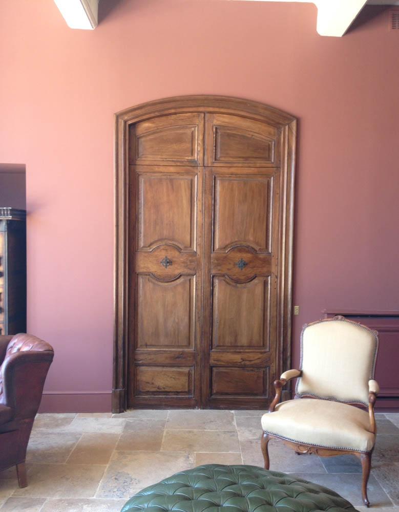 Porte d 39 interieure ancienne cintr e en noyer style aixoise for Porte interieure 2 vantaux bois