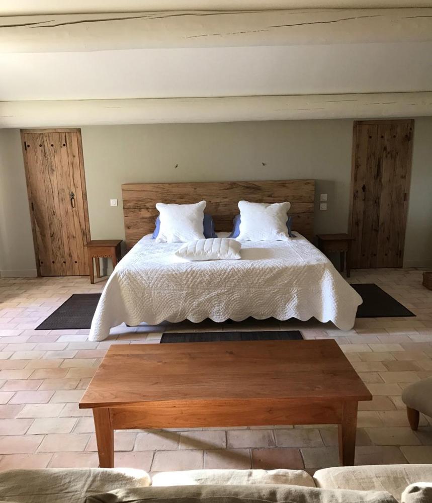 tete de lit et portes dressing en vieux ch ne. Black Bedroom Furniture Sets. Home Design Ideas