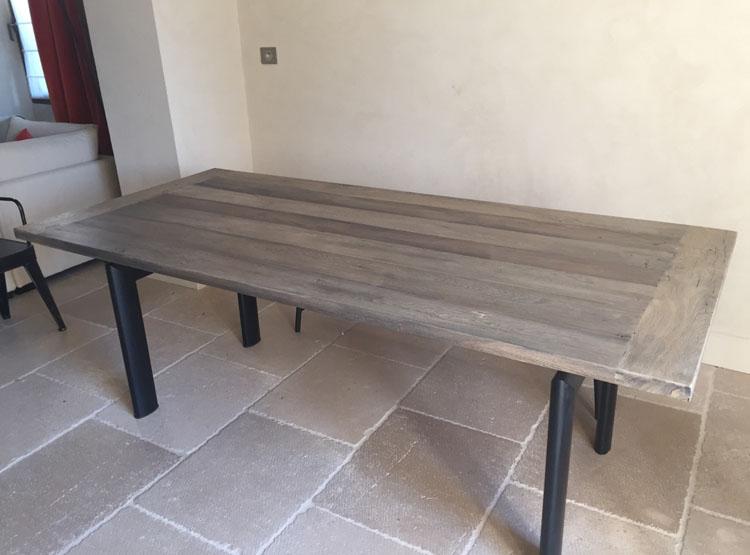 fabrication table en vieux bois. Black Bedroom Furniture Sets. Home Design Ideas